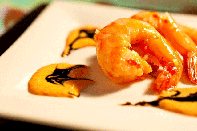 Spicy Shrimp with Balsamic Drizzle